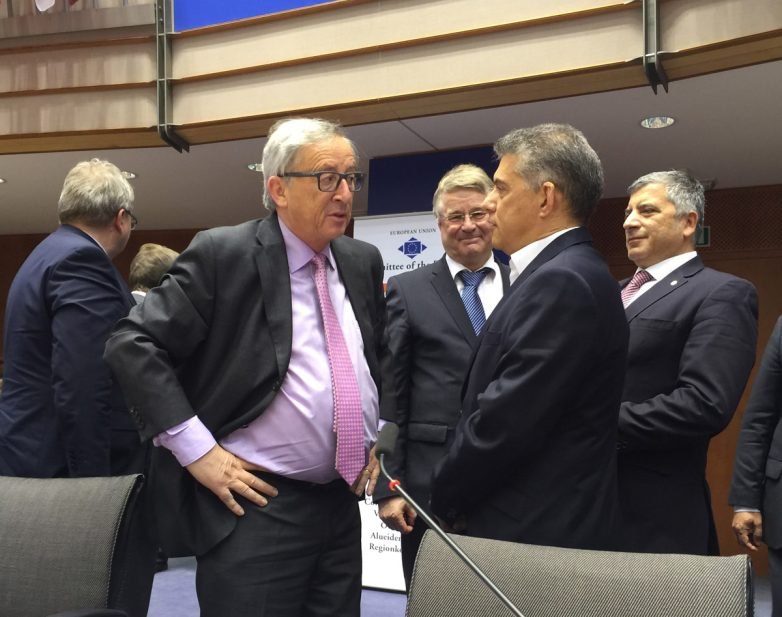 Τον πρόεδρο της Ε.Ε. Ζαν Κλωντ Γιουνκέρ συναντά  ο πρόεδρος της ΕΝΠΕ Κώστας Αγοραστός