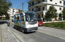 Το «Λεωφορείο χωρίς οδηγό» χθες στους δρόμους των Τρικάλω
