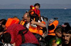 Διάσωση 100 προσφύγων και μεταναστών στο Αιγαίο ανήμερα του Πάσχα