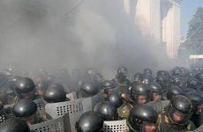 Ουκρανία: Υπέκυψε στα τραύματά του και δεύτερος αστυνομικός – ελεύθεροι 13 ύποπτοι