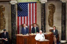 Στο βήμα του Καπιτωλίου ο Πάπας