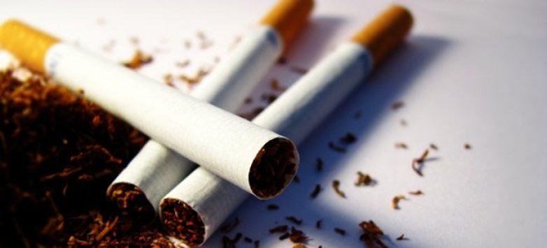 Απέσυραν την τροπολογία για την απαγόρευση πώλησης καπνού στα ψιλικατζίδικα οι 16 βουλευτές του ΣΥΡΙΖΑ