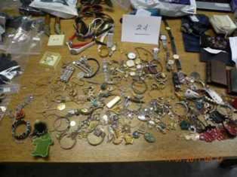 """""""Φτερά"""" έκαναν κοσμήματα αξίας 15.000 ευρώ"""
