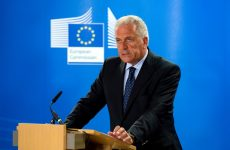O Επίτροπος Αβραμόπουλος στη Θεσσαλονίκη για την υπογραφή της πρώτης συμφωνίας του Σχεδίου Γιούνκερ