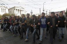 Οι μαθητές βγαίνουν στους δρόμους για το εκπαιδευτικό