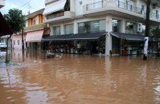 Νεκρός άνδρας σε πλημμυρισμένο αυτοκίνητο στο Μενίδι