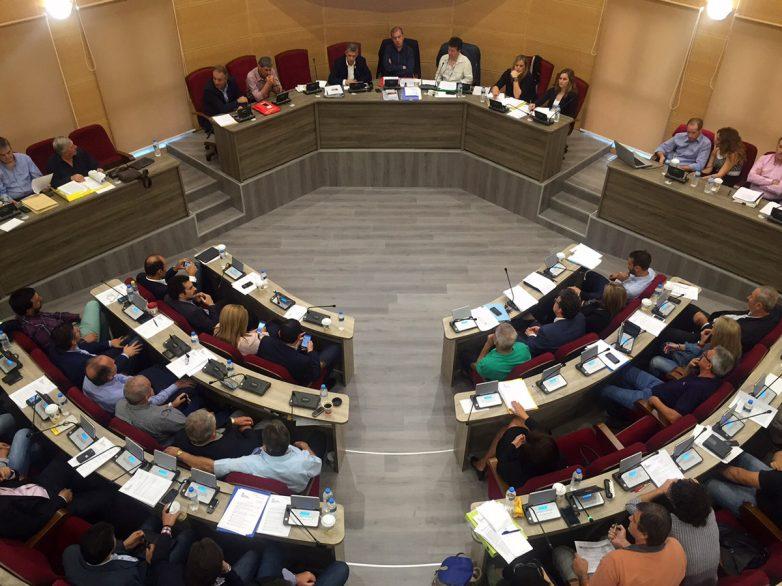 Τα προβλήματα των μικρομεσαίων επιχειρήσεων συζητήθηκαν στο Περιφερειακό Συμβούλιο