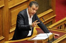 Στ. Θεοδωράκης: «Η κυβέρνηση επιδιώκει καθεστώς ελέγχου των ΜΜΕ»
