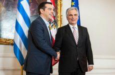 Τον Καγκελάριο της Αυστρίας υποδέχεται στη Λέσβο ο Πρωθυπουργός
