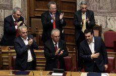 Απομόνωση του κ. Τσίπρα στη Βουλή κατά τη ψηφοφορία για ψήφο εμπιστοσύνης