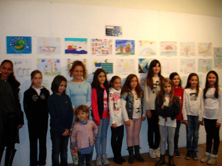 Διακρίσεις Λαρισαίων μαθητών σε διαγωνισμούς ζωγραφικής και παραμυθιών για την Ευρώπη