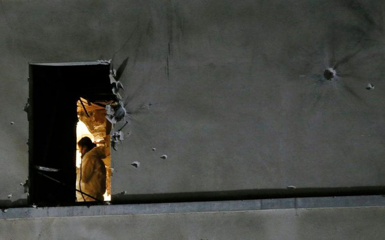 Επτά ώρες άγριας μάχης αστυνομικών με υπόπτους στο Παρίσι