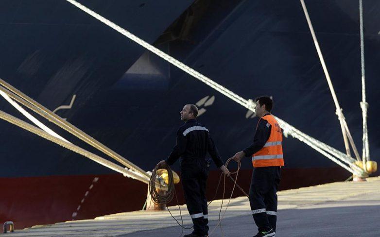«Δεμένα» πολλά πλοία της χώρας εξαιτίας της απεργίας των εργαζομένων του ΝΑΤ