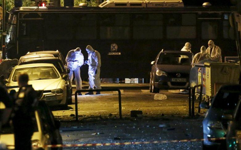 Σοβαρές ζημιές στο κέντρο της Αθήνας από την έκρηξη στα γραφεία του ΣΕΒ