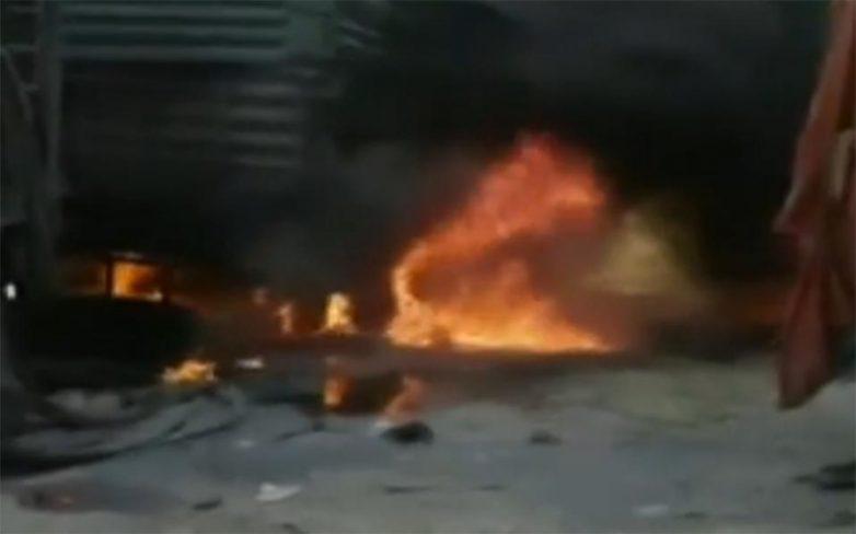 Βομβαρδισμός φορτηγών με ανθρωπιστική βοήθεια στα σύνορα Τουρκίας – Συρίας
