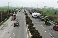 Κλιμακώνονται οι κινητοποιήσεις των αγροτών στη Λάρισα