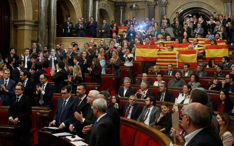 Υπέρ της απόσχισης από την Ισπανία ψήφισε το Κοινοβούλιο της Καταλονίας