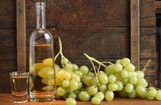 ΕΦΚ στο κρασί αντί ΦΠΑ σε ιδιωτικά