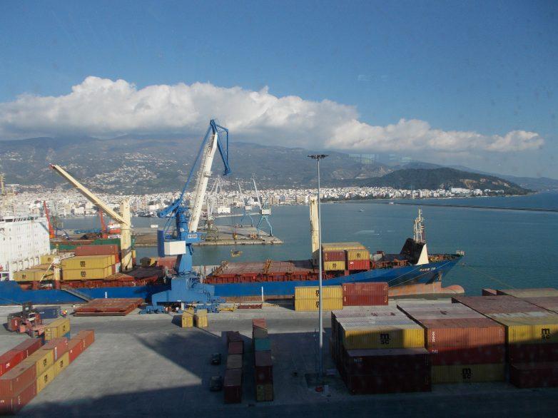 Δημοπρατείται η προμήθεια νέου γερανού στο λιμάνι του Βόλου