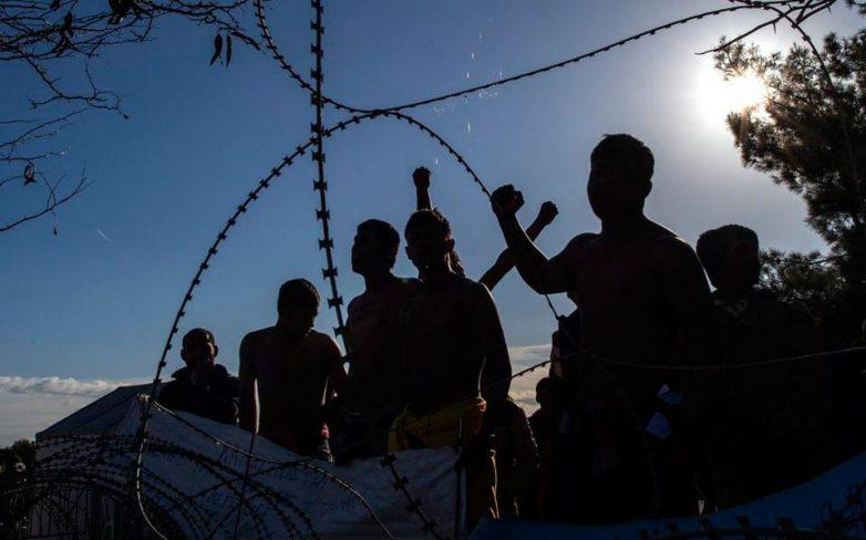 Εραψαν τα στόματά τους Ιρανοί μετανάστες στην Ειδομένη