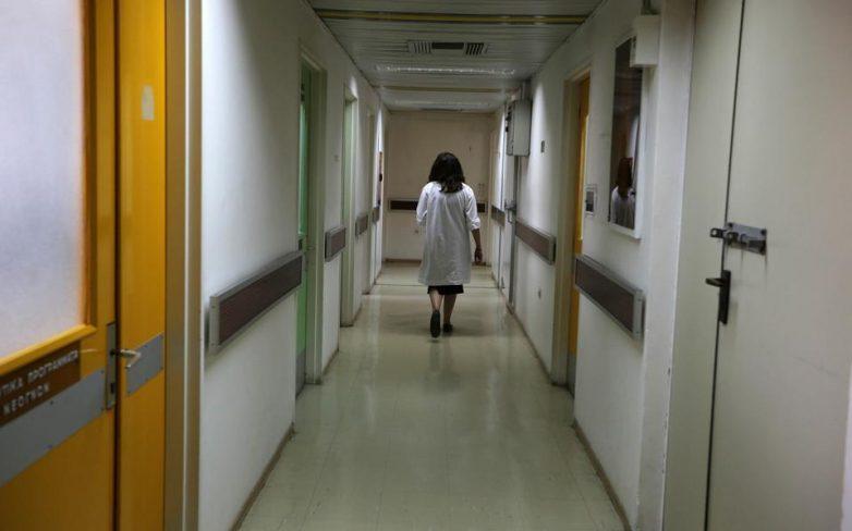 Παράταση θητείας επικουρικών γιατρών και διορισμοί