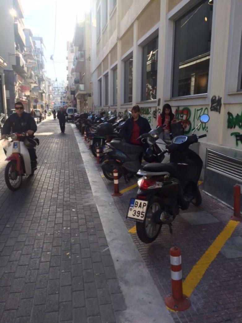 Νέες θέσεις στάθμευσης δικύκλων στο Βόλο