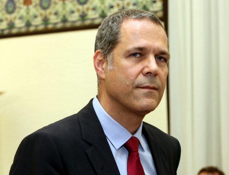 «Παράθυρο» συνεργασίας με τη ΝΔ ανοίγει ο Τζήμερος