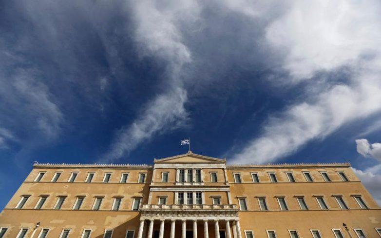 Νέα «βροχή» εκπρόθεσμων τροπολογιών στη Βουλή