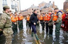 Οι πλημμύρες «δοκιμάζουν» τη Βρετανία