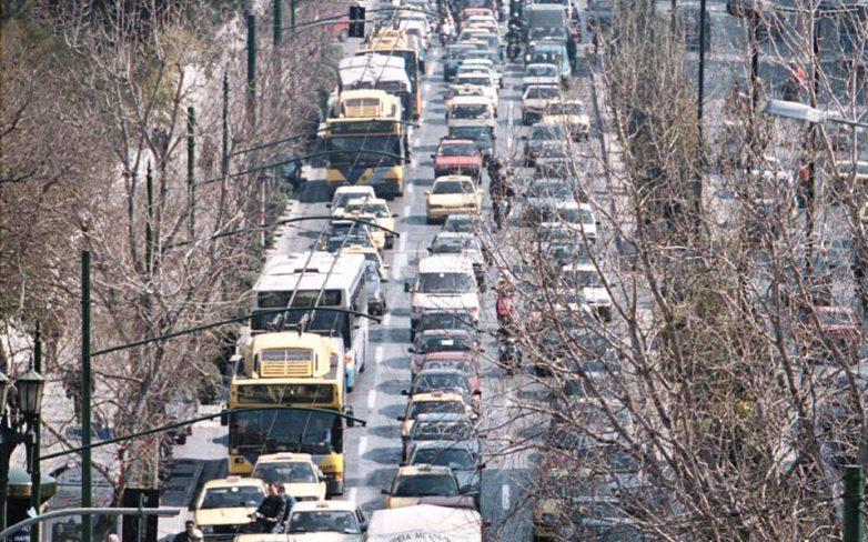 Την Πέμπτη εκπνέει η προθεσμία για πληρωμή των τελών κυκλοφορίας