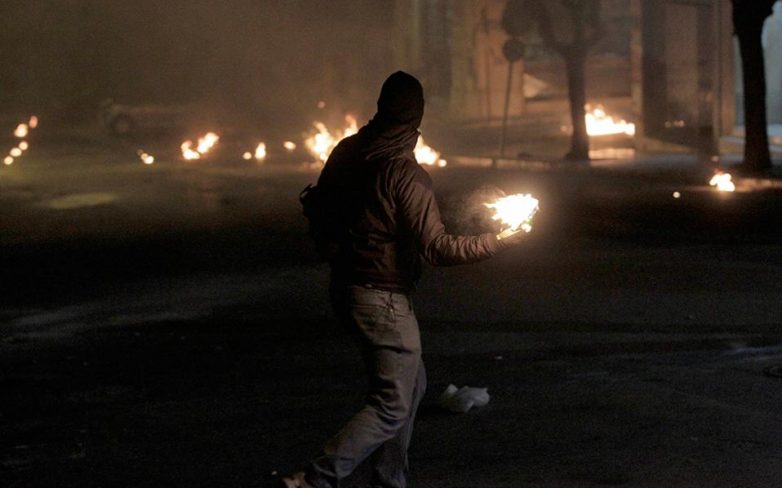 Επεισόδια στο κέντρο της Αθήνας στην πορεία μνήμης του Αλ. Γρηγορόπουλου