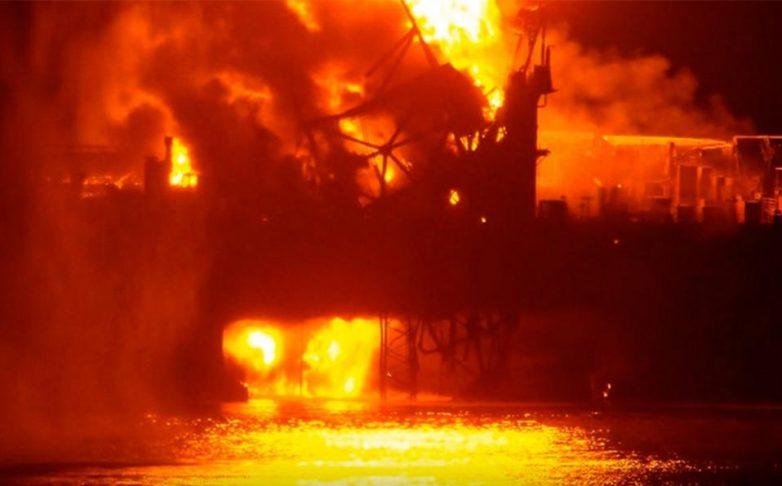 Δεκάδες αγνοούμενοι από πυρκαγιά σε εξέδρα άντλησης πετρελαίου