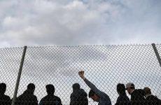 Προσωρινή διαμονή προσφύγων στο γήπεδο του χόκεϊ στο Ελληνικό