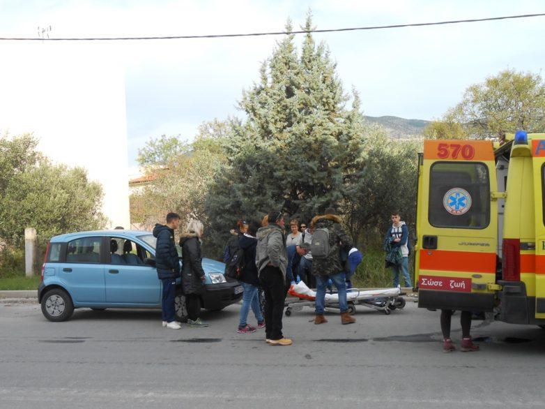 Μοτοσικλέτα συγκρούστηκε με δίκυκλο που οδηγούσε μαθητής