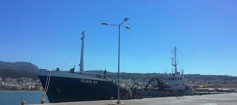 Για επισκευή στο Βόλο το φορτηγό πλοίο που προσέκρουσε στη Χαλκίδα