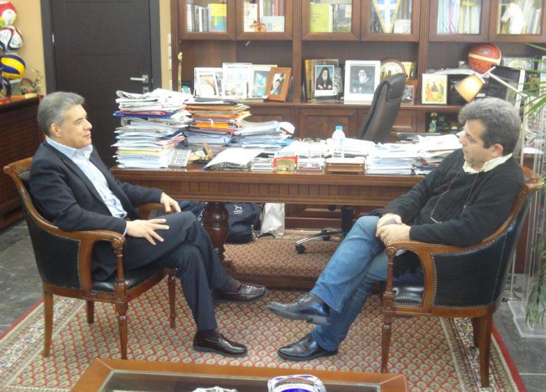 Συνάντηση του περιφερειάρχη Θεσσαλίας με τον γενικό γραμματέα αθλητισμού Ιούλιο Συναδινό