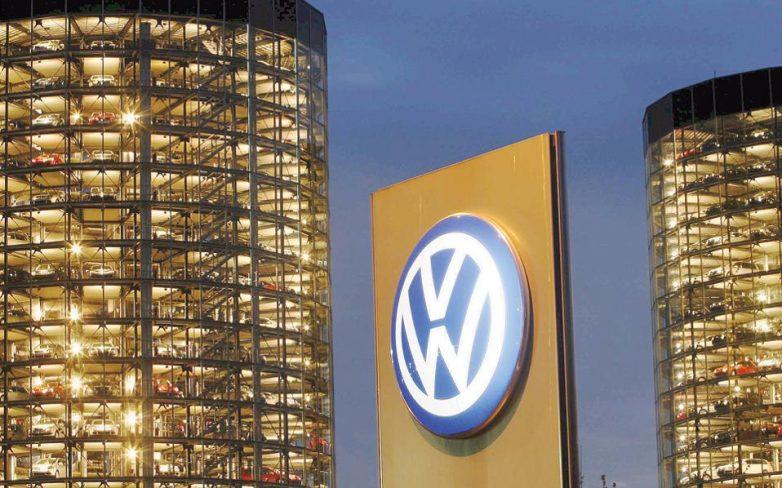 Βαριά η σκιά των σκανδάλων για Volkswagen – Deutsche Bank