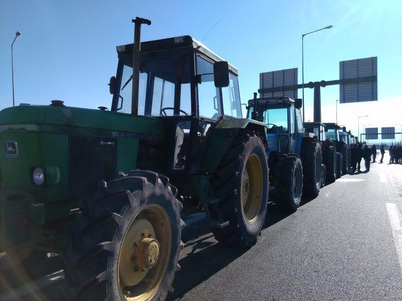 Πανελλαδική σύσκεψη αγροτών στη Νίκαια Λάρισας