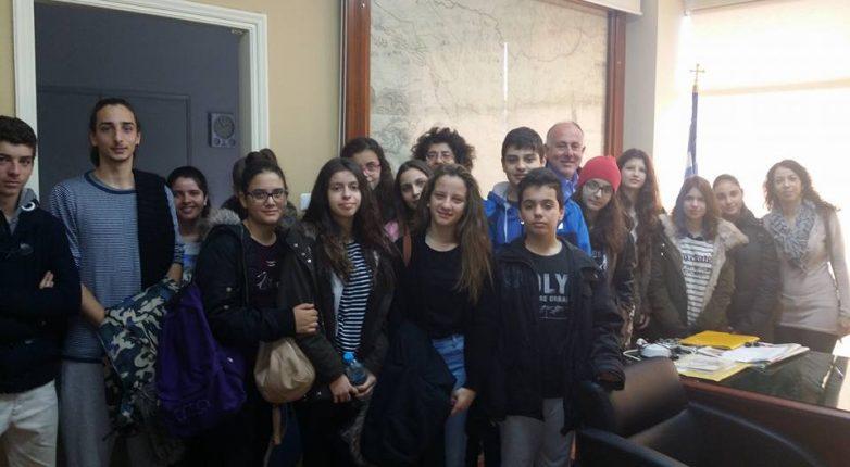 Επίσκεψη Μουσικού Σχολείου Βόλου & 6ου Γυμνασίου Βόλου στο Δήμο για τη Χάρτα του Ρήγα