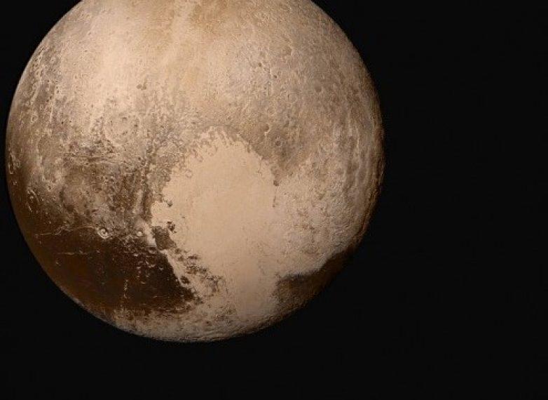 Η μεγάλη ανακάλυψη της επιφάνειας του Πλούτωνα