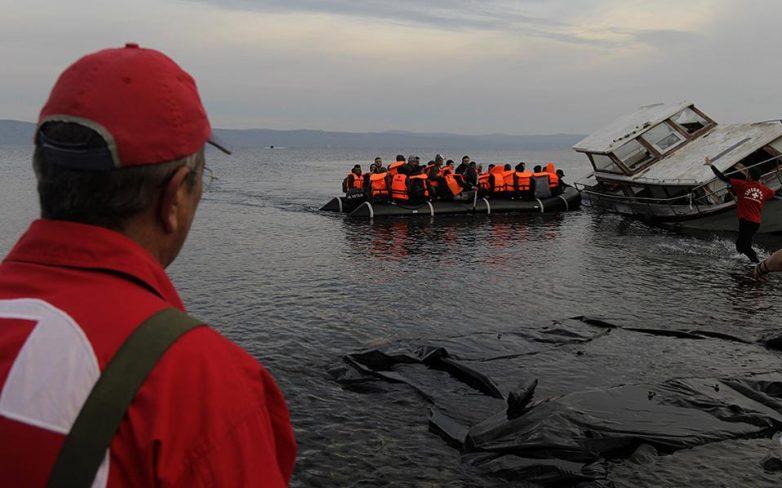 Αμεση μείωση των προσφυγικών ροών ζητά από την Τουρκία η Κομισιόν
