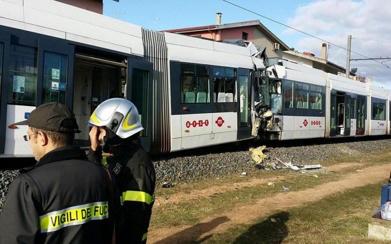 Πενήντα τραυματίες από σύγκρουση τρένων στη Σαρδηνία