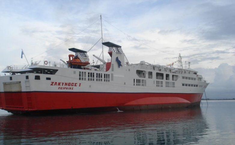Πρόσκρουση του πλοίου «Ζάκυνθος Ι» στο λιμάνι της Κυλλήνης