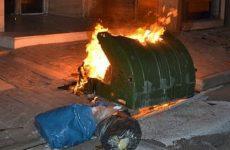 Φωτιάσε δύο κάδους στο Βόλο