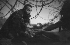 Η Ευρώπη κλείνει τα μάτια στο δράμα των εγκλωβισμένων στα σύνορα αγωνίας και ελπίδας
