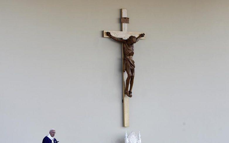 Ο Πάπας αμφισβητεί τη χριστιανοσύνη του Τραμπ