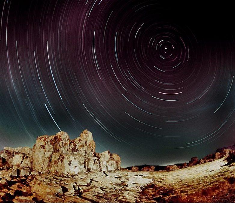 ΚΟΚΙΝΟ:  το Μεγαλιθικό Αστρονομικό Παρατηρητήριο