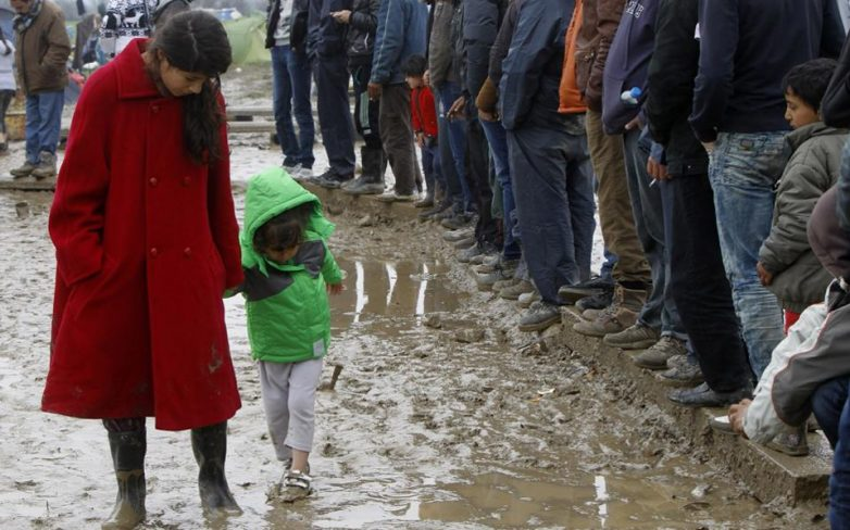 Τι θα προτείνει η Κομισιόν στη Σύνοδο για το προσφυγικό