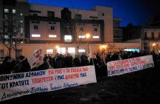 Συνδικάτα, σωματεία: Να αποσυρθεί  ο νόμος – λαιμητόμος για το ασφαλιστικό