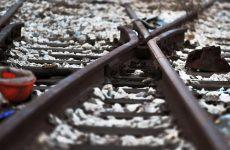 Λαμία: Ηλικιωμένος σκόνταψε στις ράγες και παρασύρθηκε από τρένο
